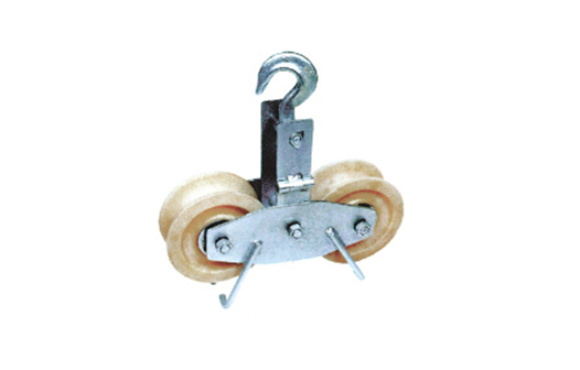 Double wheels stringing pulleys