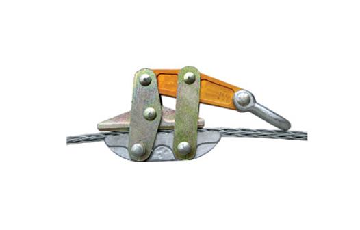 Anti-twisting wire come along clamp